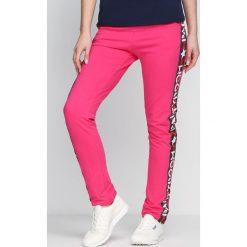 Spodnie dresowe damskie: Fuksjowe Spodnie Dresowe Party Room