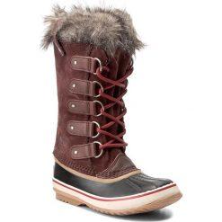 Śniegowce SOREL - Joan Of Arctic NL 2429 Redwood/Red Element 628. Brązowe śniegowce damskie Sorel, z gumy. W wyprzedaży za 429,00 zł.