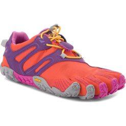 Buty VIBRAM FIVEFINGERS - V-Trail 18W6901 Magenta/Orange. Fioletowe buty do biegania damskie marki KALENJI, z gumy. W wyprzedaży za 419,00 zł.