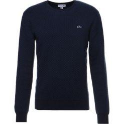 Lacoste Sweter navy blue/marino. Szare kardigany męskie marki Lacoste, z bawełny. W wyprzedaży za 447,20 zł.