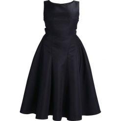 Sukienki hiszpanki: Chi Chi London Curvy ELLIE Sukienka koktajlowa black