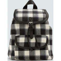 Plecak w kratkę. Czarne plecaki damskie Pull&Bear, w kratkę. Za 99,90 zł.