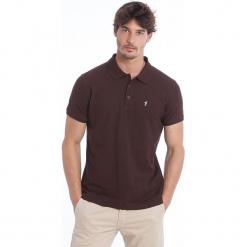 Koszulka polo w kolorze brązowym. Brązowe koszulki polo marki Polo Club Men, m, z haftami, z bawełny. W wyprzedaży za 130,95 zł.