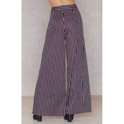 """Paski damskie: Trendyol Spodnie """"dzwony"""" w paski - Multicolor,Navy"""
