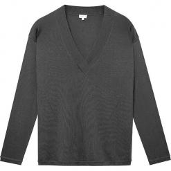 Sweter jedwabny w kolorze antracytowym. Szare swetry klasyczne damskie marki Ateliers de la Maille, z jedwabiu. W wyprzedaży za 318,95 zł.