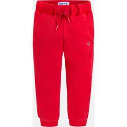 Mayoral - Spodnie dziecięce 92-134 cm. Czerwone joggery męskie Mayoral, z bawełny. Za 69,90 zł.