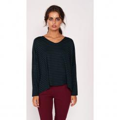 Koszulka w kolorze zielono-czarnym ze wzorem. Czarne bluzki nietoperze Dioxide, s, w paski, z długim rękawem. W wyprzedaży za 79,95 zł.