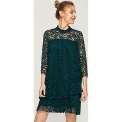 Koronkowa sukienka - Khaki. Brązowe sukienki koronkowe marki Sinsay, l. Za 79,99 zł.