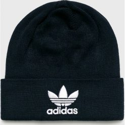 Adidas Originals - Czapka. Czarne czapki zimowe damskie adidas Originals, na zimę, z dzianiny. W wyprzedaży za 69,90 zł.