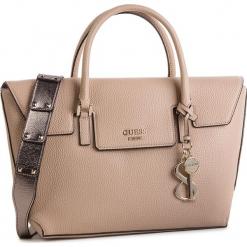 Torebka GUESS - West Side HWMG71 72070 TAN. Brązowe torebki klasyczne damskie Guess, z aplikacjami, ze skóry ekologicznej, zdobione. Za 629,00 zł.