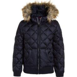 Napapijri AIBO Kurtka zimowa blu marine. Niebieskie kurtki chłopięce zimowe marki Napapijri, z bawełny. W wyprzedaży za 671,20 zł.