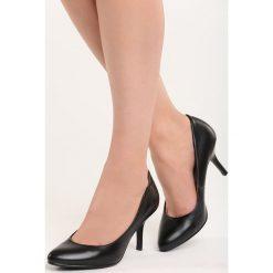 Czarne Czółenka No Roots. Czarne buty ślubne damskie marki Born2be, ze skóry, ze szpiczastym noskiem, na niskim obcasie, na szpilce. Za 39,99 zł.