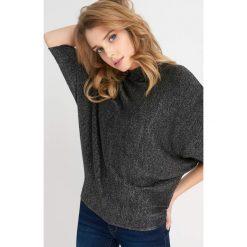 Swetry klasyczne damskie: Metaliczny sweter nietoperz