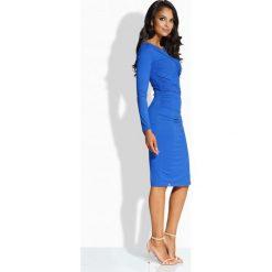 Sukienki: Elegancka sukienka z zakładanym dekoltem chabrowa
