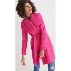 Płaszcze damskie pastelowe: Płaszcz zapinany na zamek