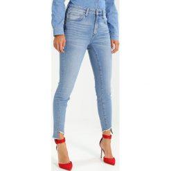 Mavi TESS TWISTED Jeans Skinny Fit vintage blue denim. Niebieskie rurki damskie Mavi. W wyprzedaży za 242,10 zł.