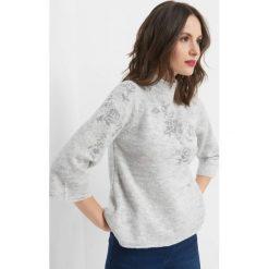 Sweter z kwiatowym haftem. Szare golfy damskie Orsay, xs, z haftami, z dzianiny. Za 99,99 zł.