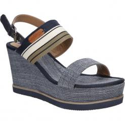 Sandały na koturnie Wrangler Jeena Sunshine WL171660. Szare sandały damskie Wrangler, na koturnie. Za 208,99 zł.