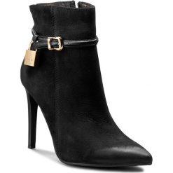 Botki CARINII - B3833 360-E50-PSK-A49. Czarne buty zimowe damskie Carinii, z materiału. W wyprzedaży za 259,00 zł.