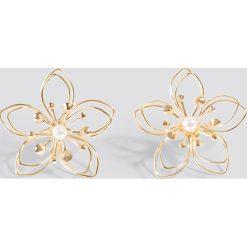 Kolczyki damskie: NA-KD Accessories Kolczyki Wire Blossom - Gold