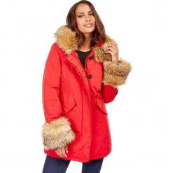 Płaszcz zimowy w kolorze czerwonym. Czerwone płaszcze damskie zimowe marki Cropp, l. W wyprzedaży za 272,95 zł.