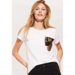 T-shirt z cekinową kieszenią - Biały. Białe t-shirty damskie marki House, l. Za 39,99 zł.