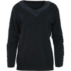 Czarny Sweter I'm Not Giving Up. Czarne swetry klasyczne damskie Born2be, l, z koronki, z dekoltem w serek. Za 79,99 zł.