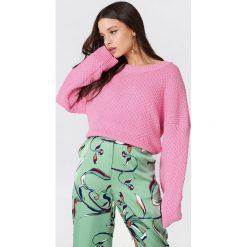 Samsoe & Samsoe Sweter Lina O-N - Pink. Różowe swetry klasyczne damskie marki Samsøe & Samsøe, z dzianiny. W wyprzedaży za 194,38 zł.