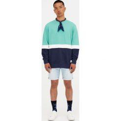 Lekka bawełniana bluza z trzema panelami. Zielone bluzy męskie rozpinane Pull&Bear, m, z bawełny. Za 48,90 zł.