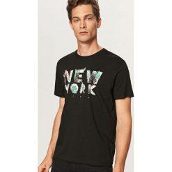 T-shirt New York - Czarny. Czarne t-shirty męskie marki Reserved, m. Za 29,99 zł.