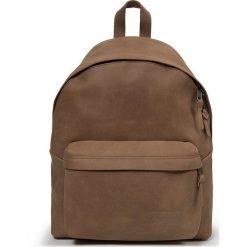 """Plecak """"Padded Pak'r"""" w kolorze jasnobrązowym - 30 x 40 x 18 cm. Brązowe plecaki męskie Eastpak, w paski, z materiału. W wyprzedaży za 478,95 zł."""