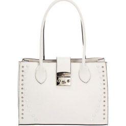 Torebki klasyczne damskie: Skórzana torebka w kolorze białym – (S)31 x (W)42 x (G)13 cm