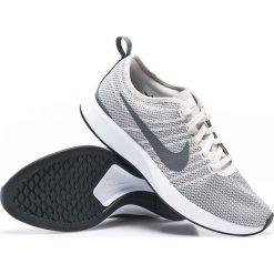 Nike Sportswear - Buty Dulaton Racer. Różowe buty sportowe damskie marki Nike Sportswear, l, z nylonu, z okrągłym kołnierzem. W wyprzedaży za 239,90 zł.