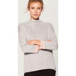 Sweter oversize z półgolfem - Jasny szar. Szare swetry oversize damskie Mohito, l. Za 89,99 zł.