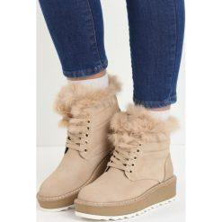 Beżowe Śniegowce Over You. Czarne buty zimowe damskie marki Cropp. Za 109,99 zł.