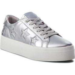 Sneakersy GUESS - FLFHS3 LEM12 SILVE. Szare sneakersy damskie Guess, ze skóry ekologicznej. W wyprzedaży za 339,00 zł.
