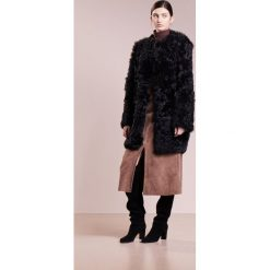 Płaszcze damskie pastelowe: Bruuns Bazaar PERNILLE Płaszcz zimowy black