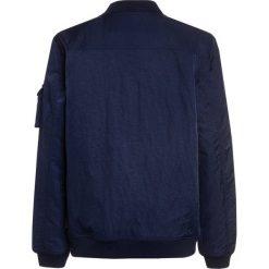 Scotch Shrunk TRADER WITH POCKETS Kurtka przejściowa navy. Niebieskie kurtki chłopięce przejściowe marki Scotch Shrunk, z materiału. W wyprzedaży za 384,30 zł.