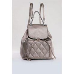 Plecaki damskie: Plecak z pikowaną kieszenią