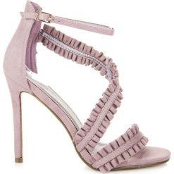 Szpilki: Sandały szpilki z falbanką ADRIANA
