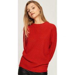 Swetry oversize damskie: Sweter oversize - Czerwony