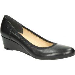 Czarne półbuty skórzane na koturnie Góral 586. Czarne buty ślubne damskie marki Góral, na koturnie. Za 189,99 zł.