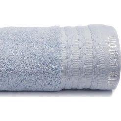 Kąpielówki męskie: Ręcznik w kolorze szaroniebieskim