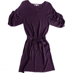 Sukienka kaszmirowa w kolorze fioletowym. Fioletowe sukienki na komunię Ateliers de la Maille, na imprezę, z kaszmiru, z okrągłym kołnierzem, midi. W wyprzedaży za 341,95 zł.