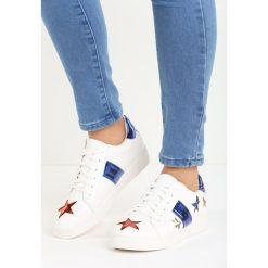 Biało-Niebieskie Buty Sportowe Teran. Białe buty sportowe damskie marki Born2be, z lakierowanej skóry. Za 49,99 zł.