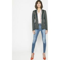 Vero Moda - Jeansy Sophia. Niebieskie jeansy damskie marki Vero Moda, z podwyższonym stanem. W wyprzedaży za 89,90 zł.