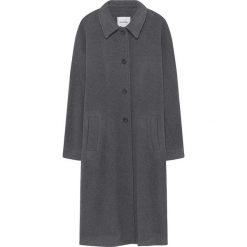 Płaszcze damskie: Płaszcz w kolorze szarym