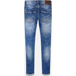 Mayoral - Jeansy dziecięce 128-172 cm. Niebieskie spodnie chłopięce Mayoral, z aplikacjami, z bawełny. Za 149,90 zł.