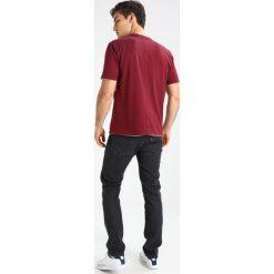 T-shirty męskie z nadrukiem: Levi's® Line 8 Tshirt z nadrukiem chinese red/ surf blue/grey heather