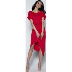 Czerwona Sukienka z Kopertowym Asymetrycznym Dołem. Brązowe sukienki asymetryczne marki Mohito, l, z kopertowym dekoltem. W wyprzedaży za 104,93 zł.